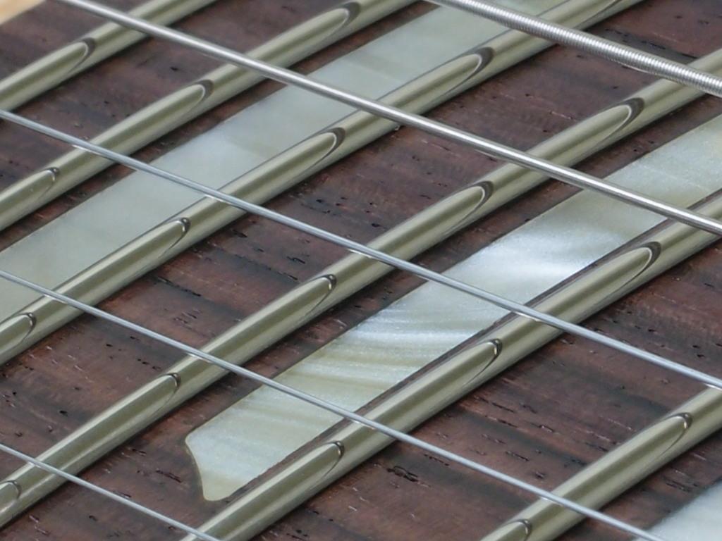 zdjęcie - progi ze stali nierdzewnej